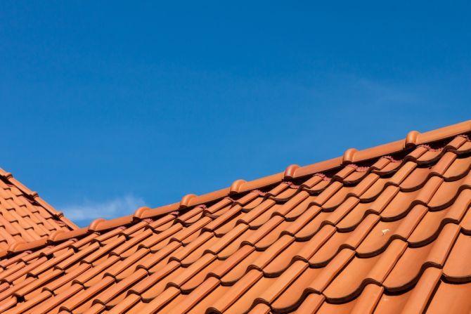 Dach z dachówką ceramiczną